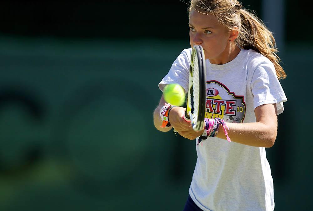 IMAGE: http://www.john-mactavish.co.uk/images/tennis/_R0V9104.jpg