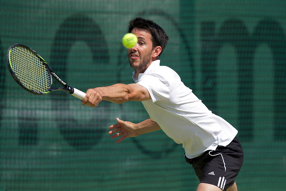 IMAGE: http://www.john-mactavish.co.uk/images/tennis/_R0V9387.jpg